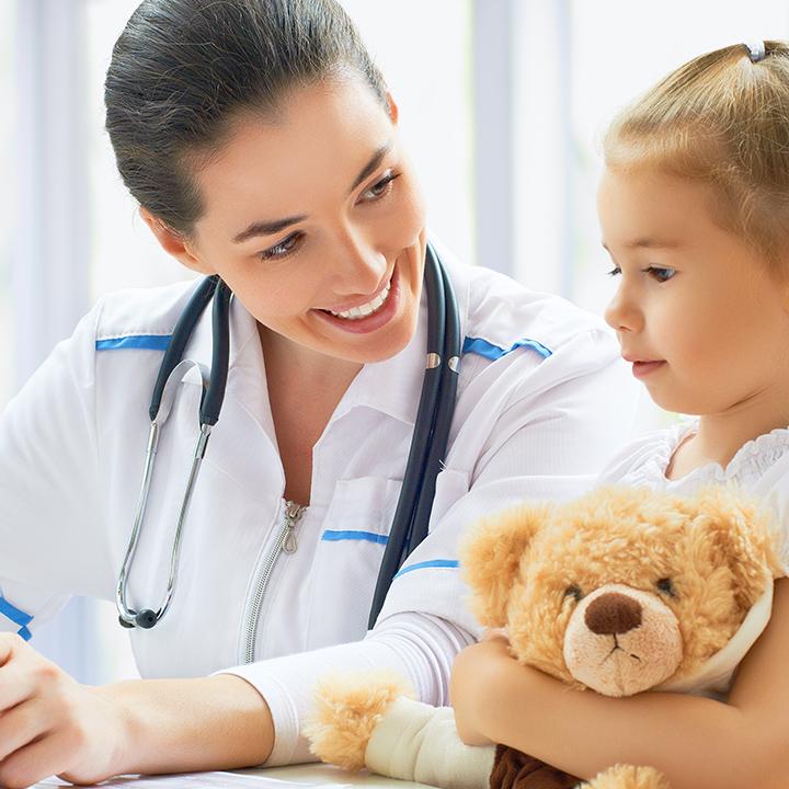 看護師の役割と仕事内容